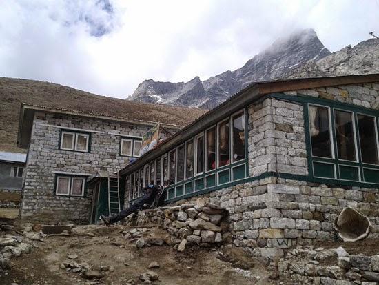 Everest base camp tea house
