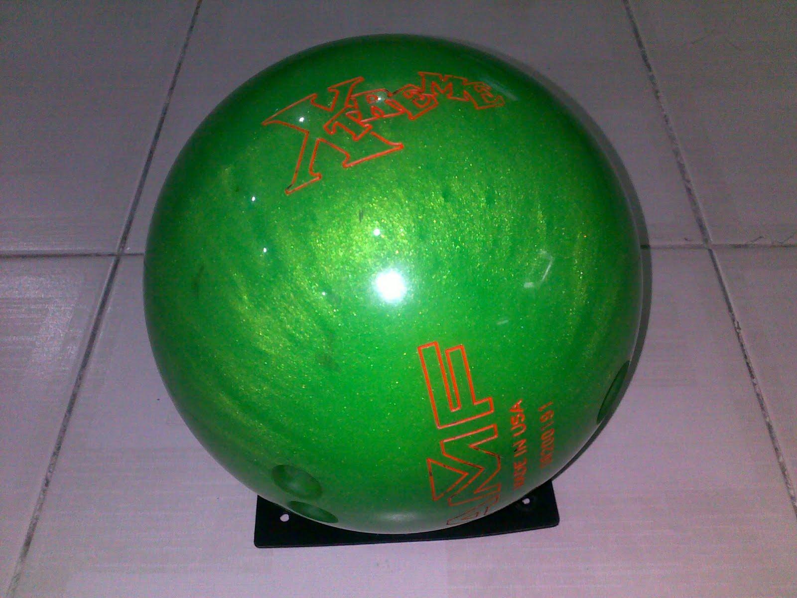 KEDAI BOWLING ONLINE: Polyester Bowling Ball AMF Xtreme ...