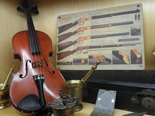 Violin en la feria de antiguedades de burgos