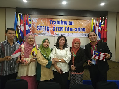 berkursus STEM di Bandung, Indonesia melalui QITEP Science