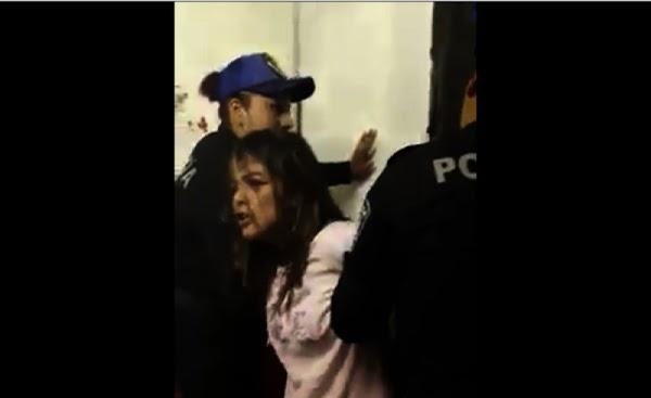 Se hace la poseída por el demonio para evitar ser detenida por la policía