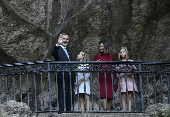 Queen Letizia wore Carolina Herrrera red dress, Princess Leonore Carolina Herrera dress, İnfanta Sofia wore Nanos dress