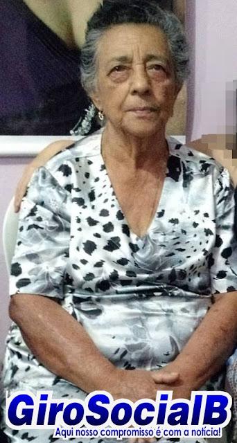 Familiares e amigos dão o último adeus á  de dona  Nair, matriarca da tradicional  família Carvalho e Silva em Buíque