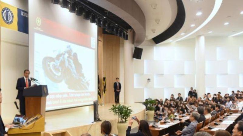 Fadli Zon Mengaku Malu Dengar Pidato Jokowi Di Universitas Hankuk