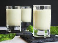 Sopa fría de albahaca con piñones y parmesano
