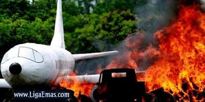 http://ligaemas.blogspot.com/2016/10/pesawat-airbus-330-sydney-denpasar.html