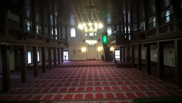 Atabey Gazi (Kırk Direkli) Camii