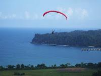 Memacu Adrenaline di Wisata Paralayang Sendang Biru Malang