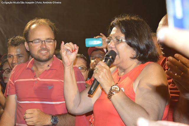 ELEIÇÕES 2016: Comício e Passeata de encerramento da Nação Vermelha arrasta multidão em São Joaquim do Monte.