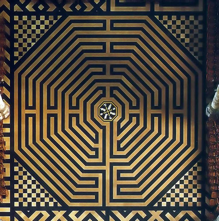Labirinto da catedral de Amiens, França