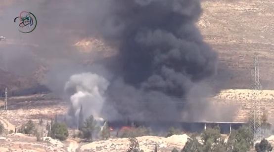 Video: Kebakaran dan Ledakan Markas Tank Assad di Damaskus