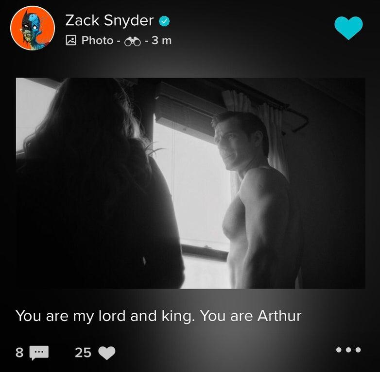 Zack Snyder divulga novas imagens