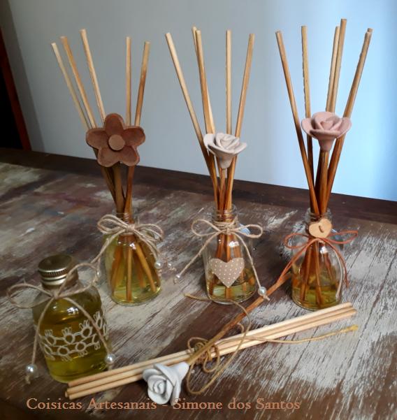 Coisicas Artesanais - Simone dos Santos - vidrinhos com aroma
