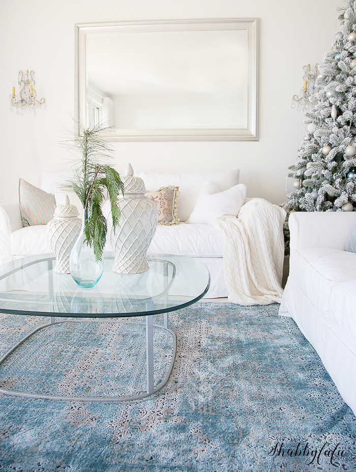 beautiful-coastal-decorating-christmas-living-room