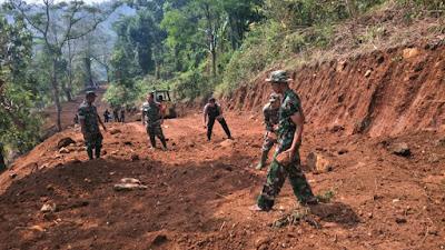 Dua Jalan Tembus TMMD Ke-102 Mojokerto : Setelah Jembul – Blentreng, Kini Kebut Akses Jembul - Rejosari