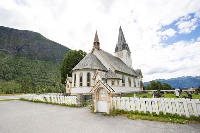 Stordal-Chiesa