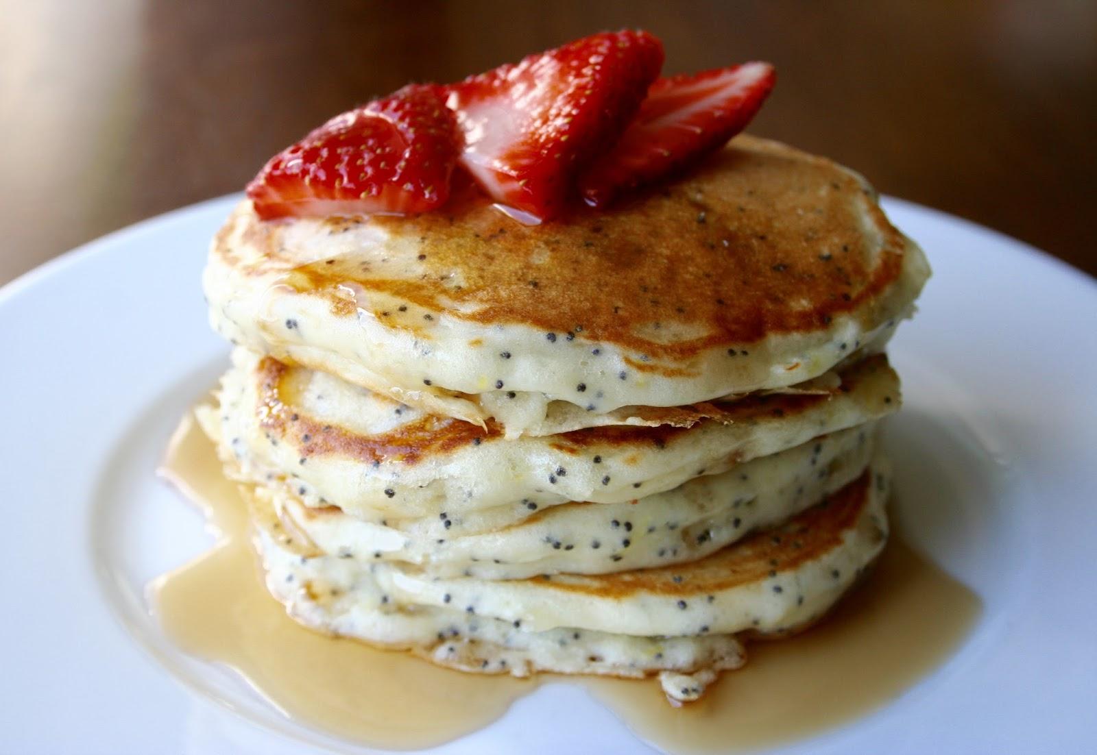 Greek Yogurt Lemon Poppyseed Pancakes