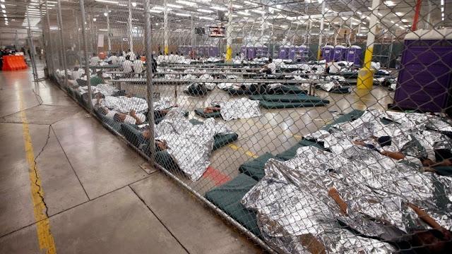 EE.UU.: Acusan a cuidadores de centros para migrantes de abusar de 3 menores separadas de sus padres