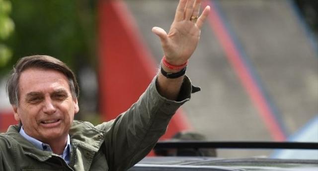El ultraderechista Bolsonaro gana las elecciones en Brasil