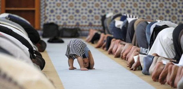 Ketika Anak-Anak Ribut di Masjid, jangan marahi anak yang ribut di masjid, mengajak anak-anak ke masjid, Bang Syaiha, http://bangsyaiha.com/
