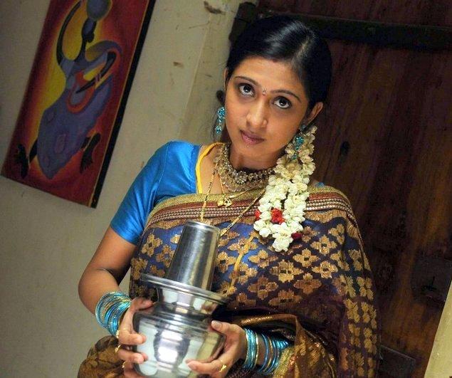 Murattu Kaalai Tamil Movie Stills: Dharani Tamil Movie Stills,Photos