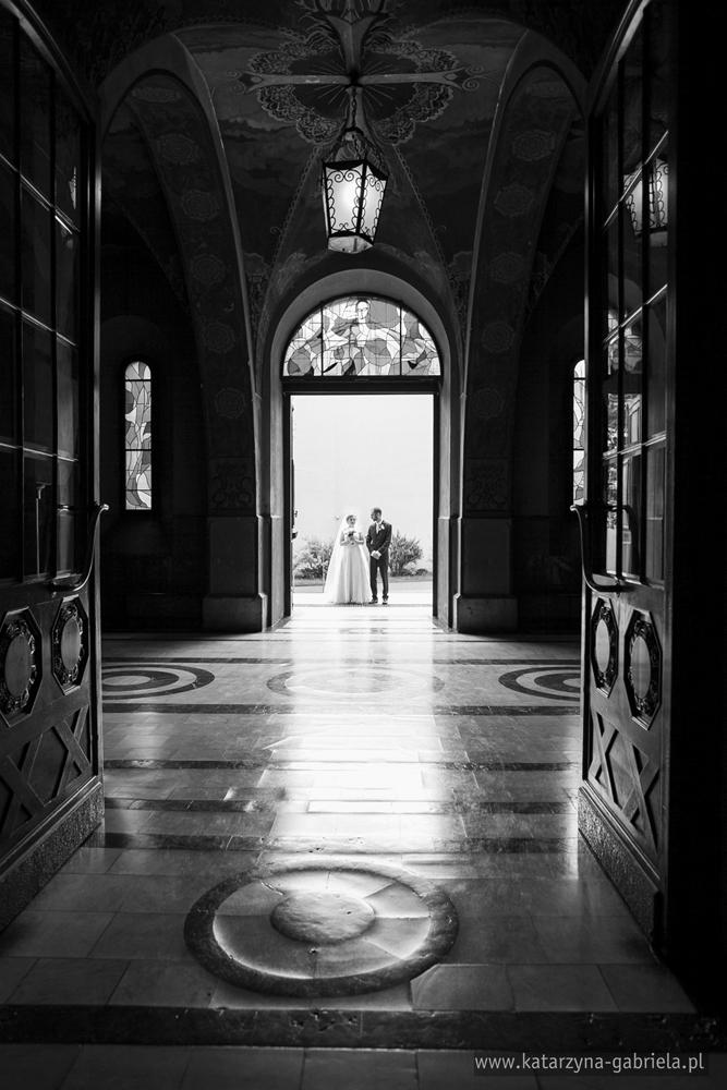 Daria i Tomasz, reportaż ślubny, Kraków, Hotel Europejski, Bazylika NSPJ, artystyczna fotografia ślubna, fotografia okolicznościowa, fotografia ślubna, klimatyczne zdjęcia ślubne, artystyczne ujęcia, fotografia ślubna Bochnia, fotograf na ślub Bochnia, sesja ślubna, wyjątkowe zdjęcia, fotograf na ślub, wesele, reportaż,