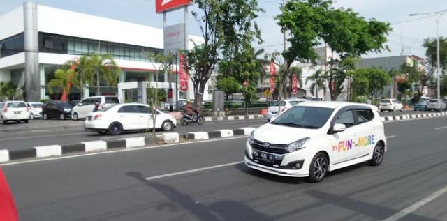 Daihatsu Jateng-DIY Ajak Awak Media Semarang Jajal New Ayla di Jalur Tol Gayamsari-Banyumanik