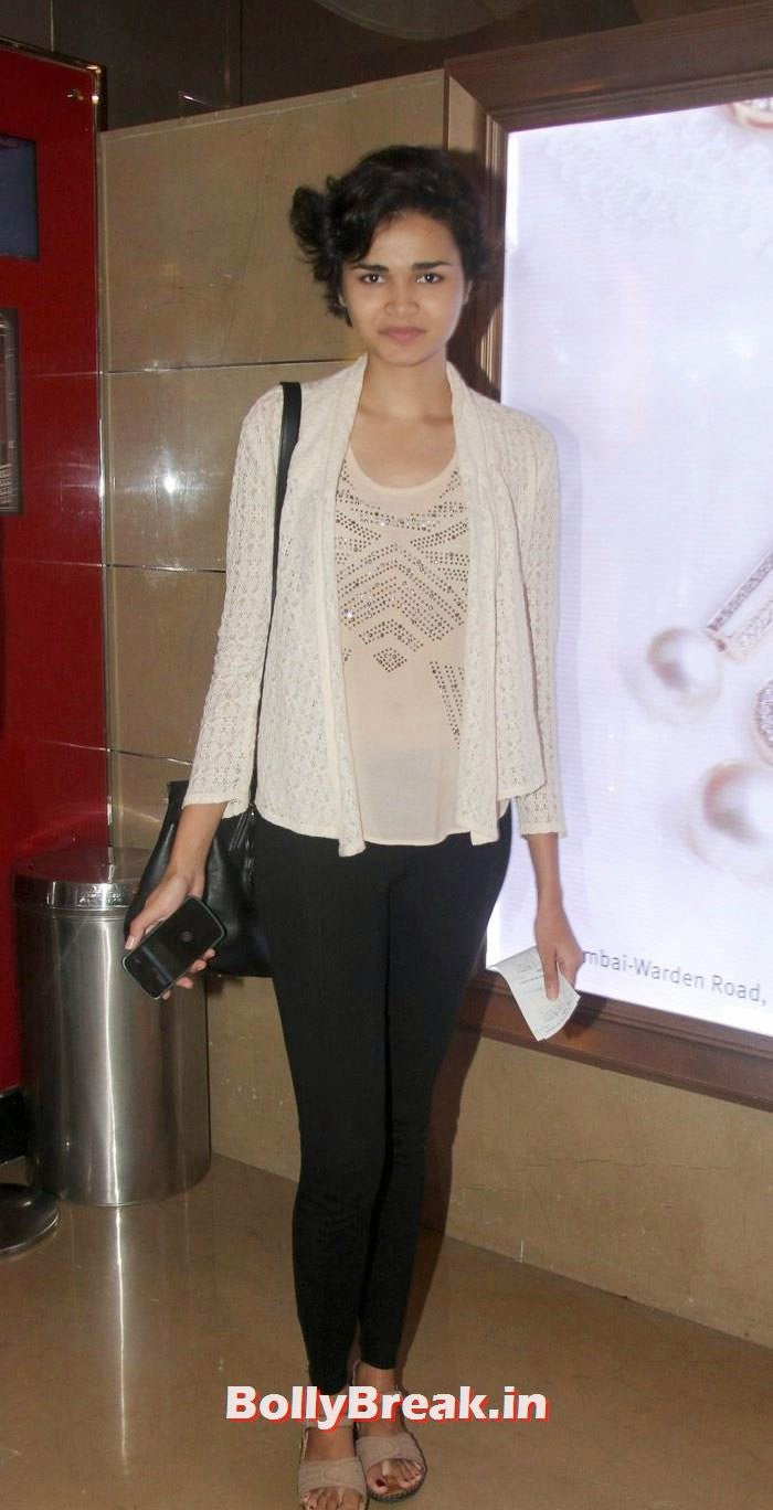 Shweta Roy, Parvathy Omanakuttan, Purva Rana images in Tight Dresses from Pizza 3d Screening
