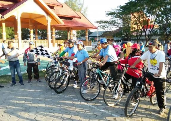 Sekda Lepas Peserta Sepeda Santai, Meriahkan HARHUBNAS 2017