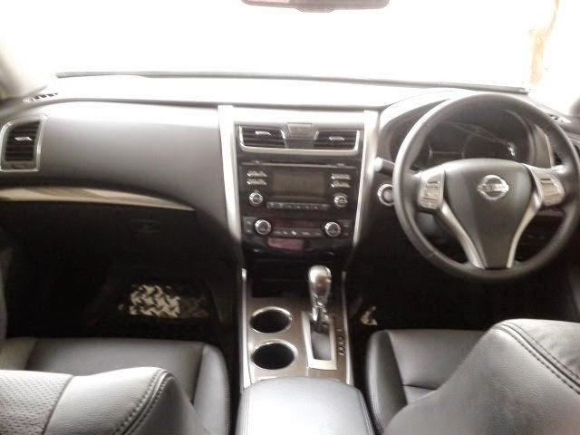 Interior Nissan Teana