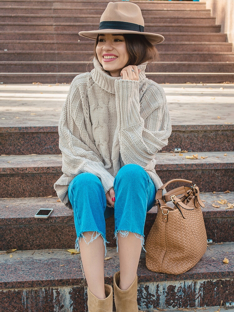 fashion blogger diyorasnotes autumn outfit jumper romwe hat asos cropped jeans