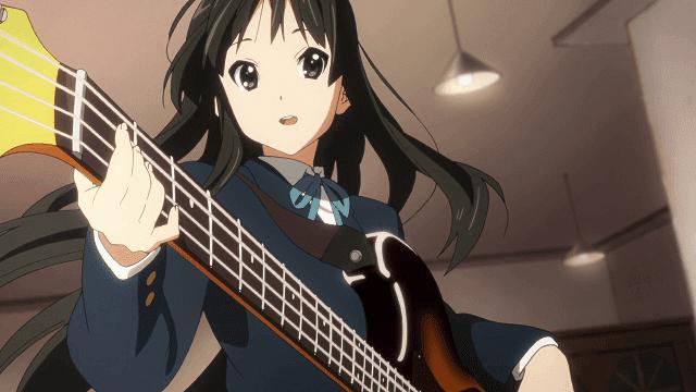 Mio dianggap sebagai wanita tercantik di anime K-On
