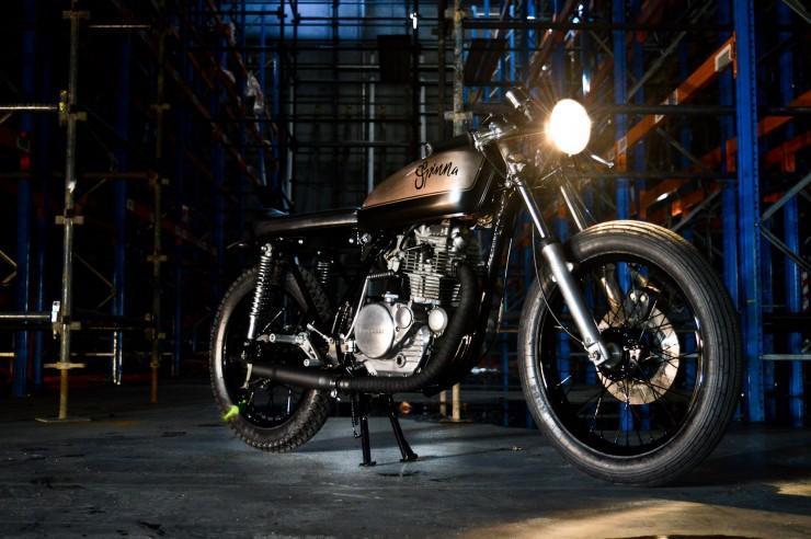 Kawasaki KZ200 Cafe Racer - nhỏ nhưng có võ
