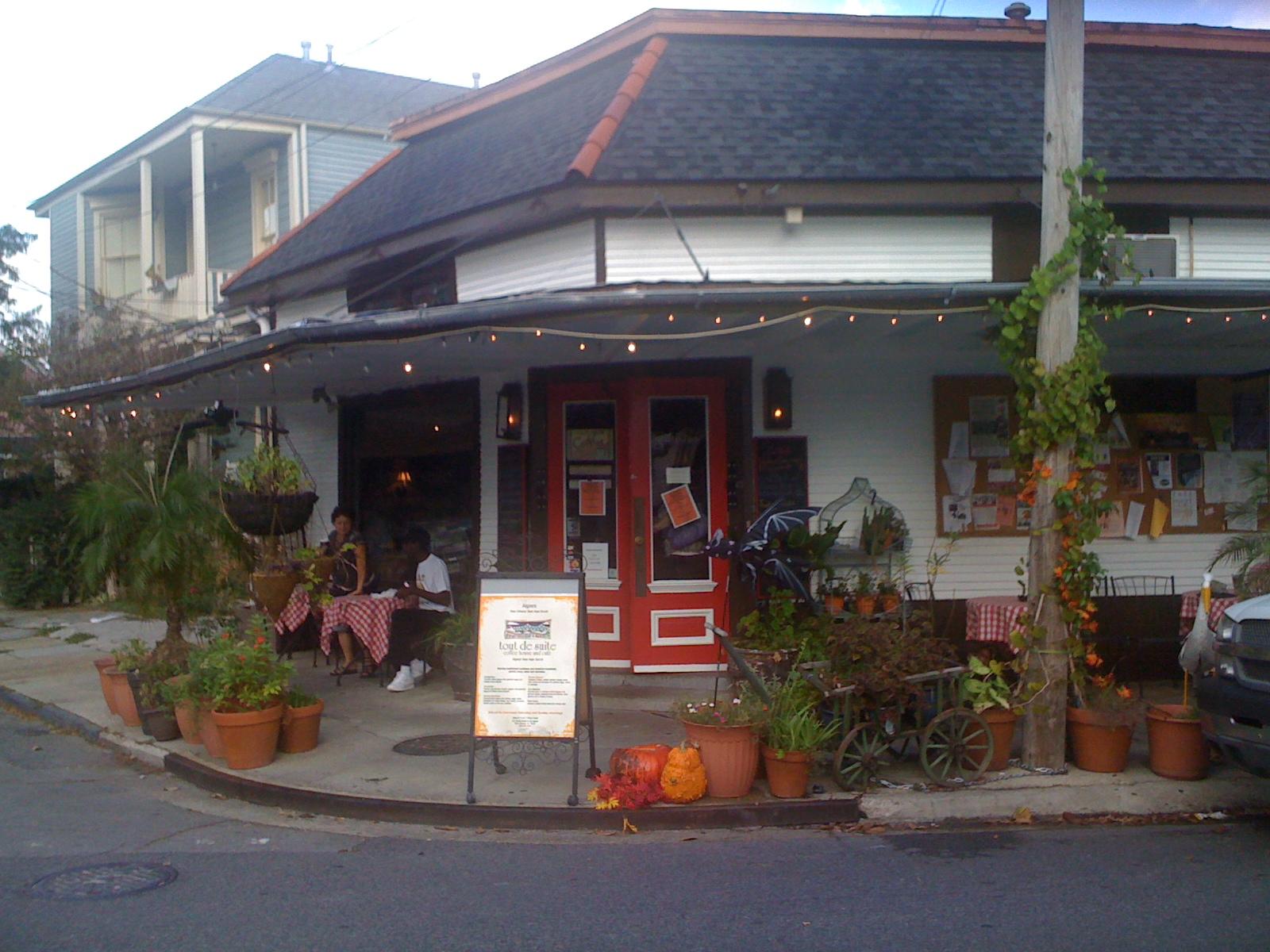New Orleans Dining Tout De Suite In Historic Algiers Point