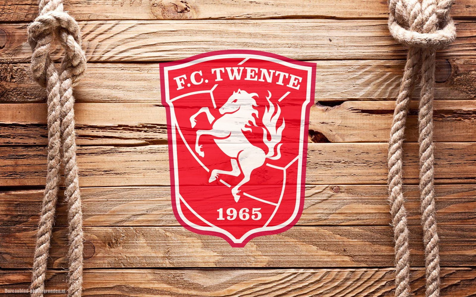 houten-fc-twente-achtergrond-met-fc-twen