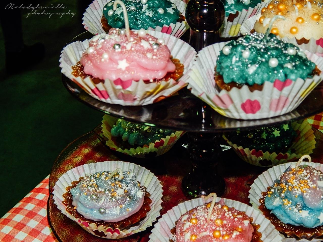 handmade diy świeczki w kształcie muffinek cupacake pomysł na prezent muffinki ciasteczka Boże Narodzenie święta słodkości