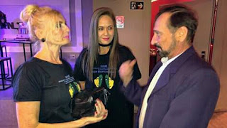 Mari Cardoso comemora 5 anos de programa no SBT.
