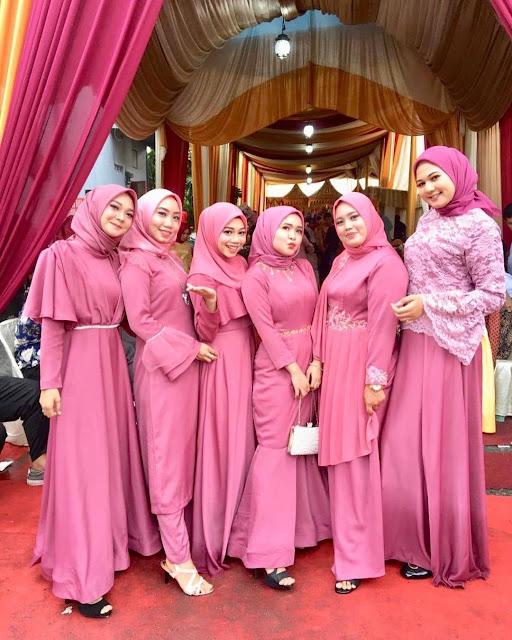 Inspirasi Seragam Bridesmaid Cantik dan Modern, untuk Pesta Nikahan