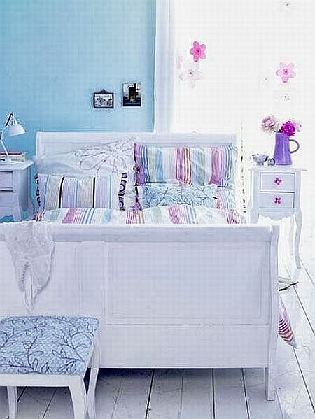 relaxing pastel lilac and blue bedroom