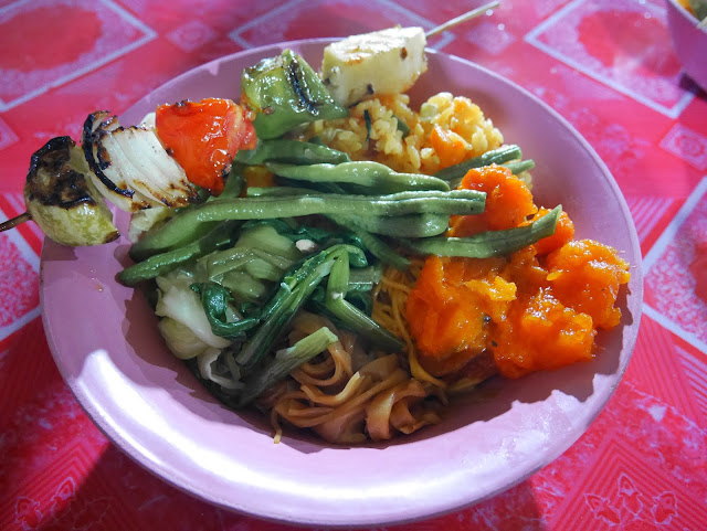 vegetarian dishes at the Luang Prabang Night Market