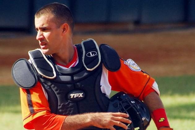 Yulexis La Rosa uno de los mejores catchers cubanos de años recientes en Cuba