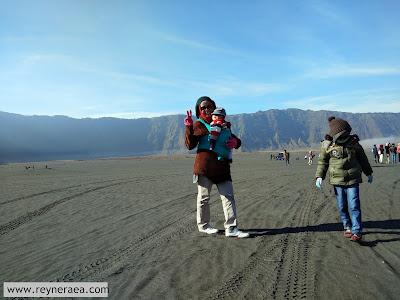 pasir berbisik bromo bersama bayi dan anak