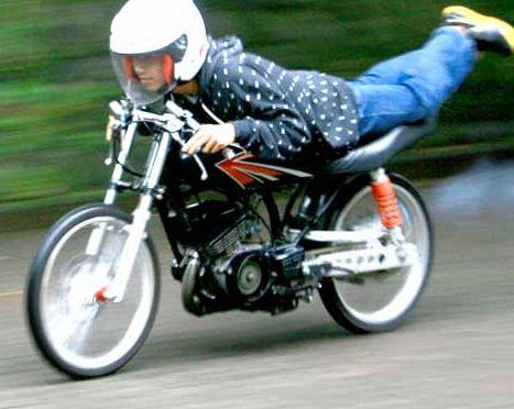 Rahasia Racikan Motor Drag RX King Tercepat 200 km/jam