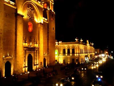 Catedral de Merida y Edificio Ateneo
