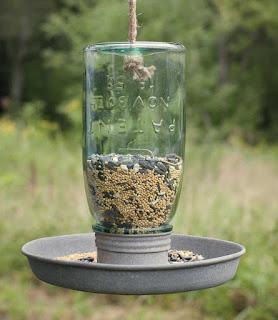 https://squareup.com/market/nestinteriors/vintage-style-mason-jar-birdfeeder