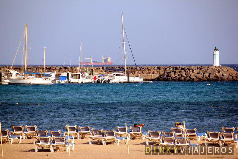 Caleta de Fuste. Vistas de la playa y el puerto
