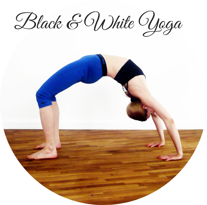Black & White Yoga