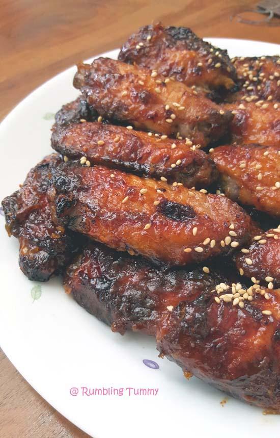 Rumbling Tummy: Sriracha Garlic Chicken Wing