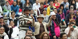 CELEBRA EL DIA DE LAS MADRES EN LA MEDIA TORTA DE BOGOTA