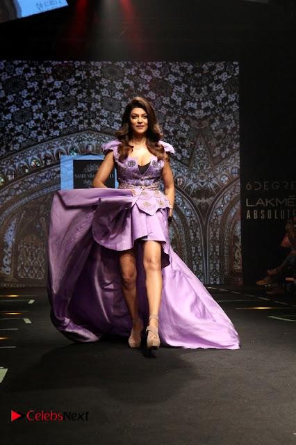 Bollywood Actress Sushmita Sen Latest Pos at Lakme Fashion Week 2017  0003.jpg
